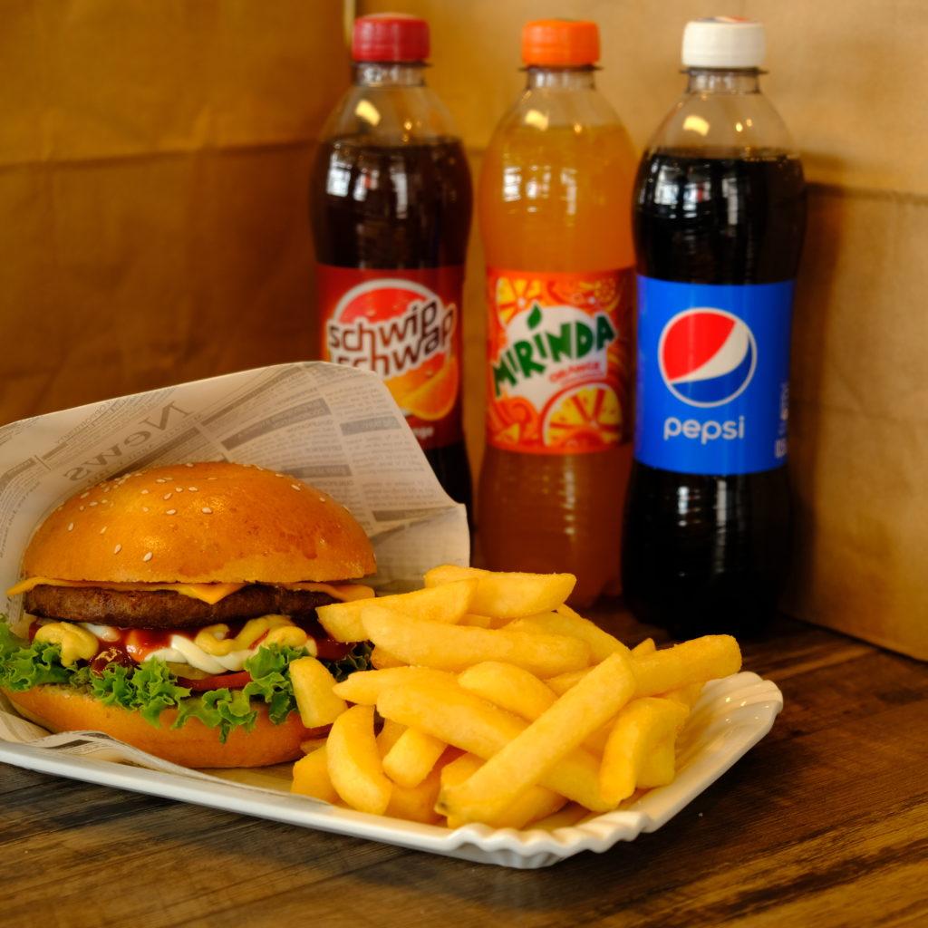 Burgeria-Burger-serviert